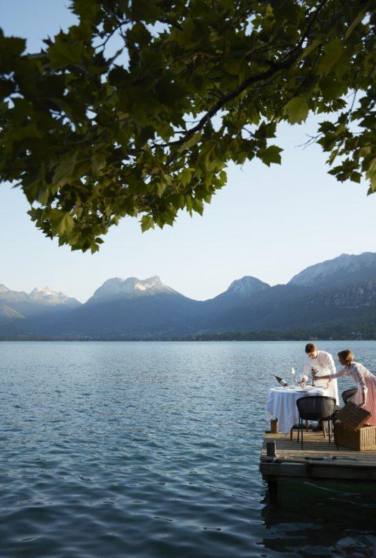 Jean et Magali Sulpice au bord du lac d'Annecy
