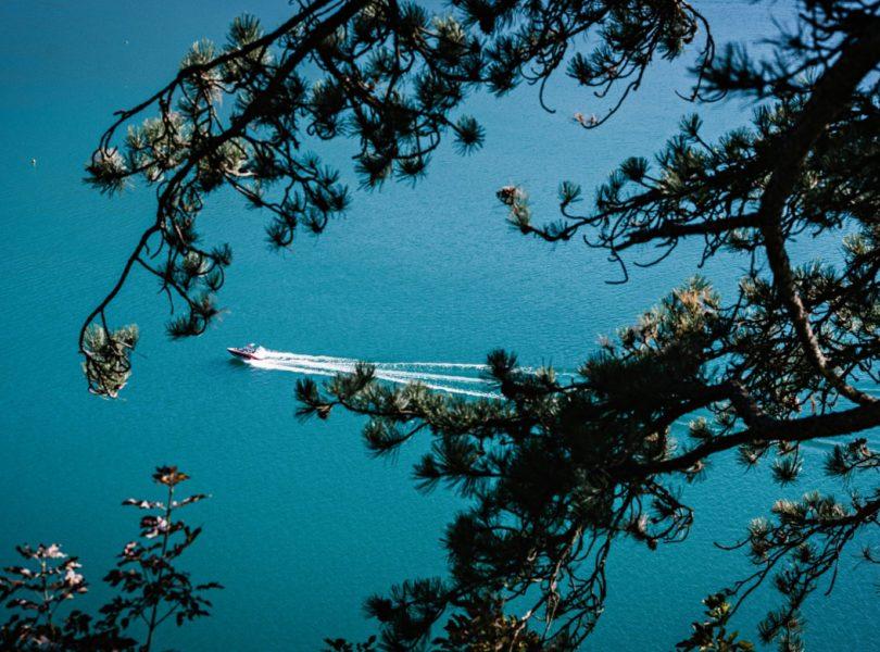 bateau sur le lac d'Annecy