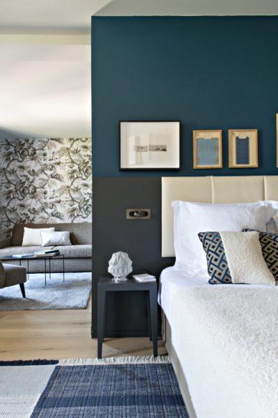 lit décoré dans l'hôtel de luxe