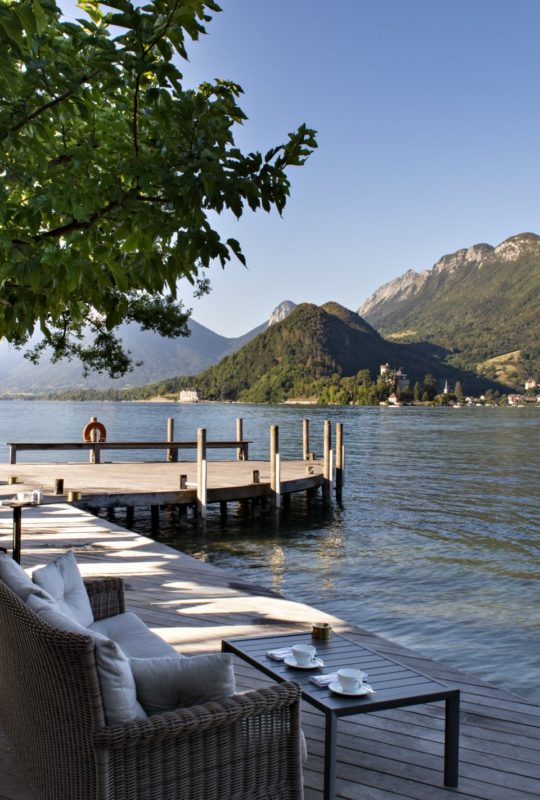 petit déjeuner au bord du lac d'Annecy